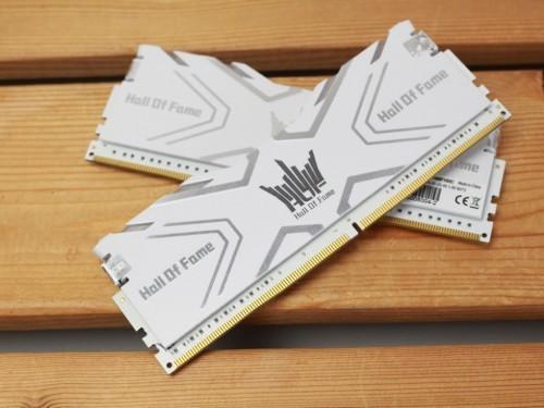 荣耀之作  影驰HOF DDR4-3600 8G*2促